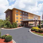 Comfort Suites Pineville - Ballantyne Area