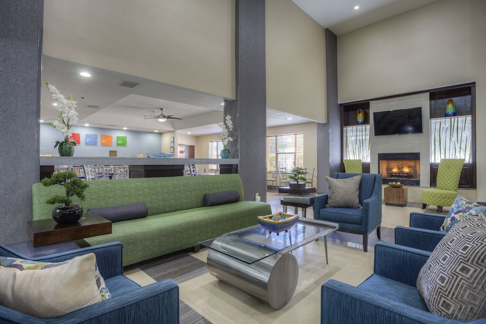 Lobby Sitting Area, Comfort Suites Pineville - Ballantyne Area