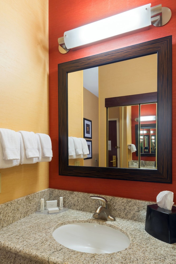 Bathroom, Courtyard by Marriott Denver Southwest-Lakewood