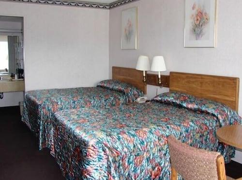 Red Carpet Inn And Suites Scranton In Scranton Hotel