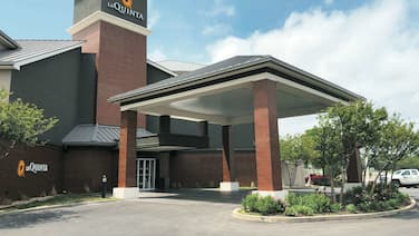 La Quinta Inn & Suites by Wyndham Austin Airport