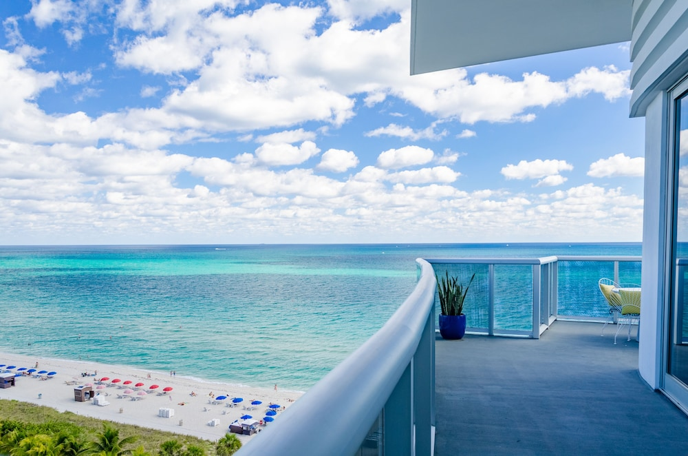 View from Room, The Confidante Miami Beach - in the Unbound Collection by Hyatt