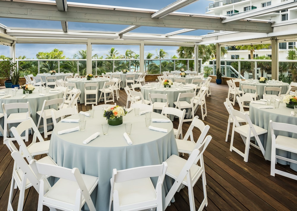 Outdoor Banquet Area, The Confidante Miami Beach - in the Unbound Collection by Hyatt