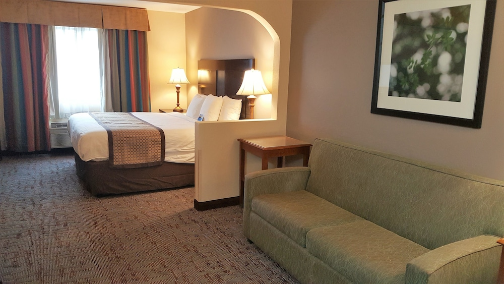 Room, Baymont by Wyndham Belleville Airport Area
