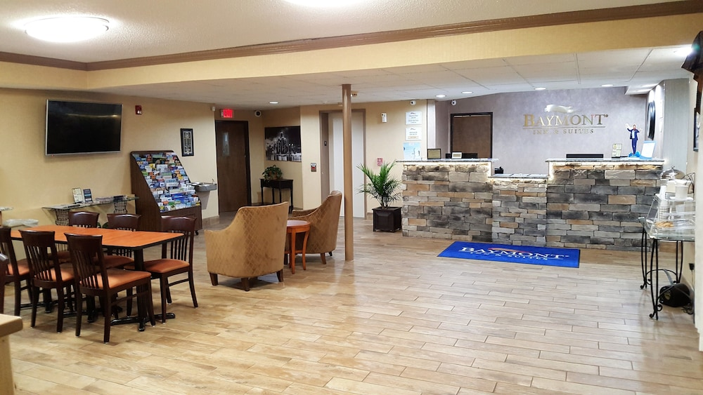 Interior Entrance, Baymont by Wyndham Belleville Airport Area