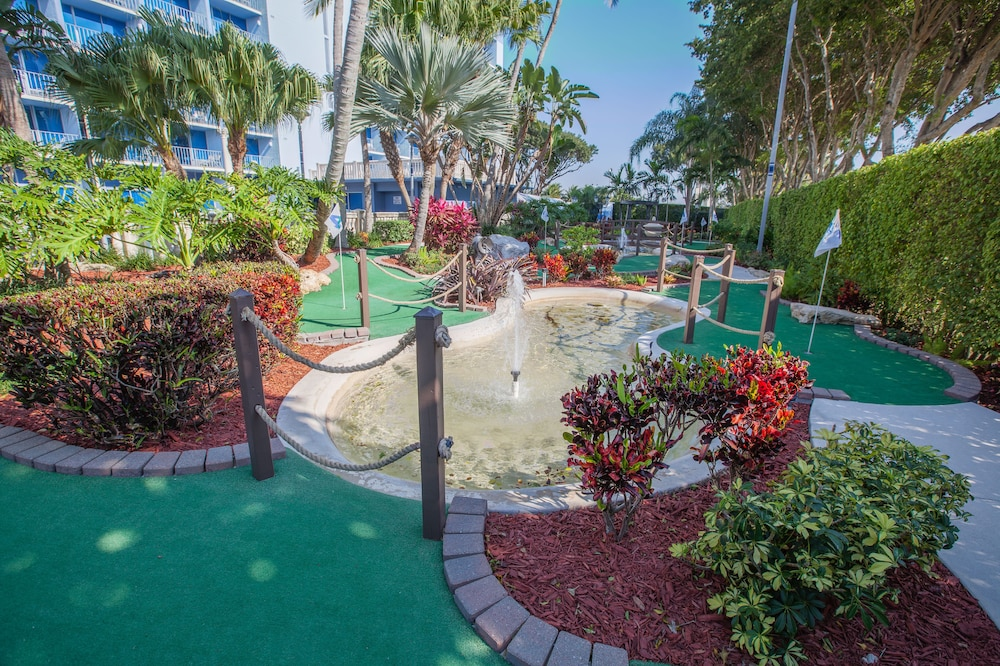Mini-Golf, Stadium Hotel