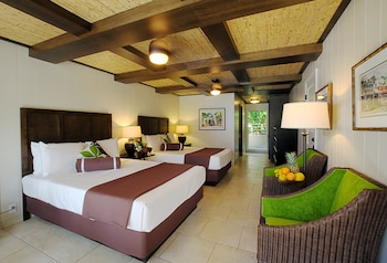 Room, 2 Queen Beds, Pool View - Guestroom