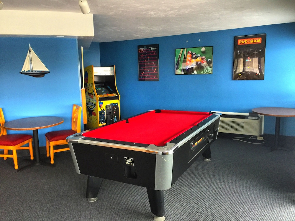 Game Room, Riverview Resort, a VRI resort