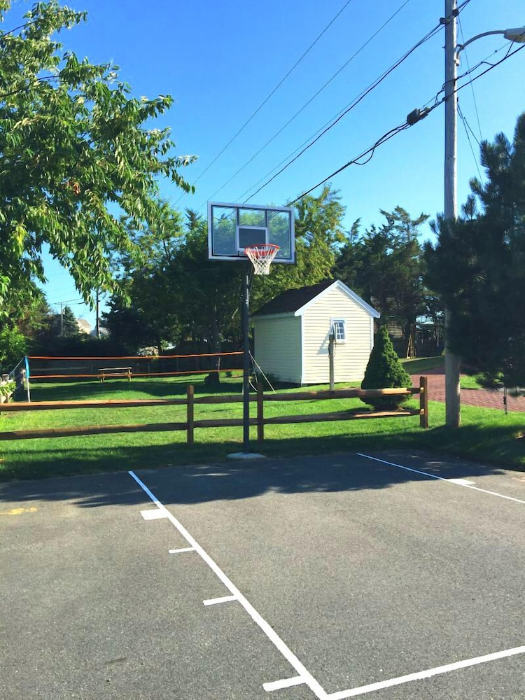 Basketball Court, Riverview Resort, a VRI resort