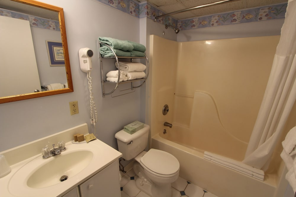 Bathroom, Riverview Resort, a VRI resort