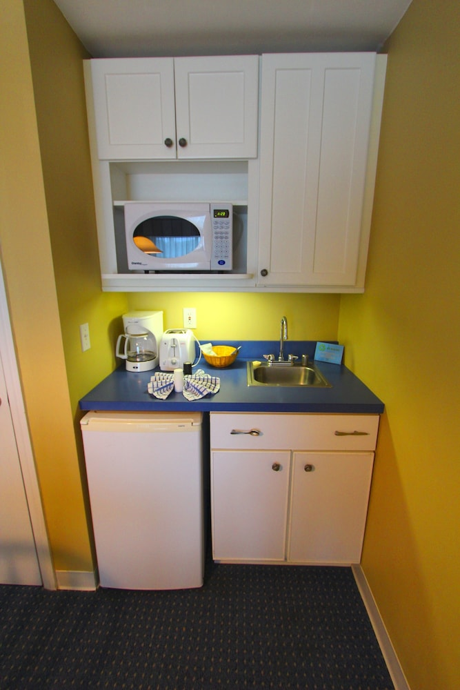 Private Kitchenette, Riverview Resort, a VRI resort