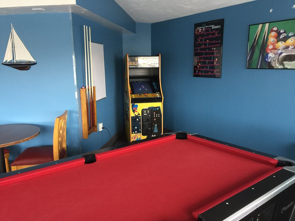 Billiards, Riverview Resort, a VRI resort
