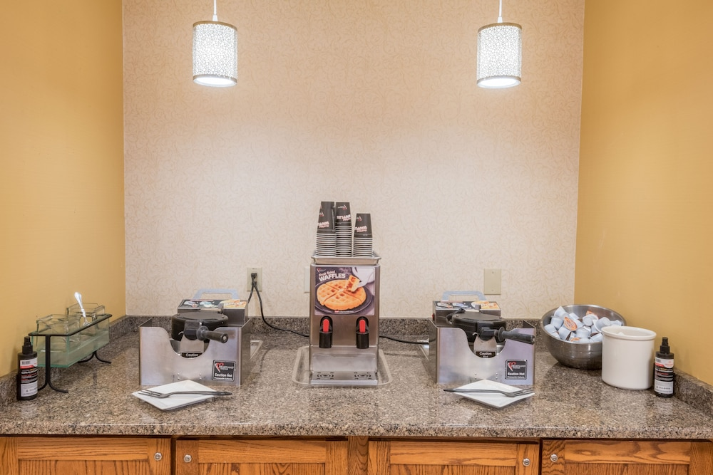 Buffet, Kahler Inn and Suites - Mayo Clinic Area