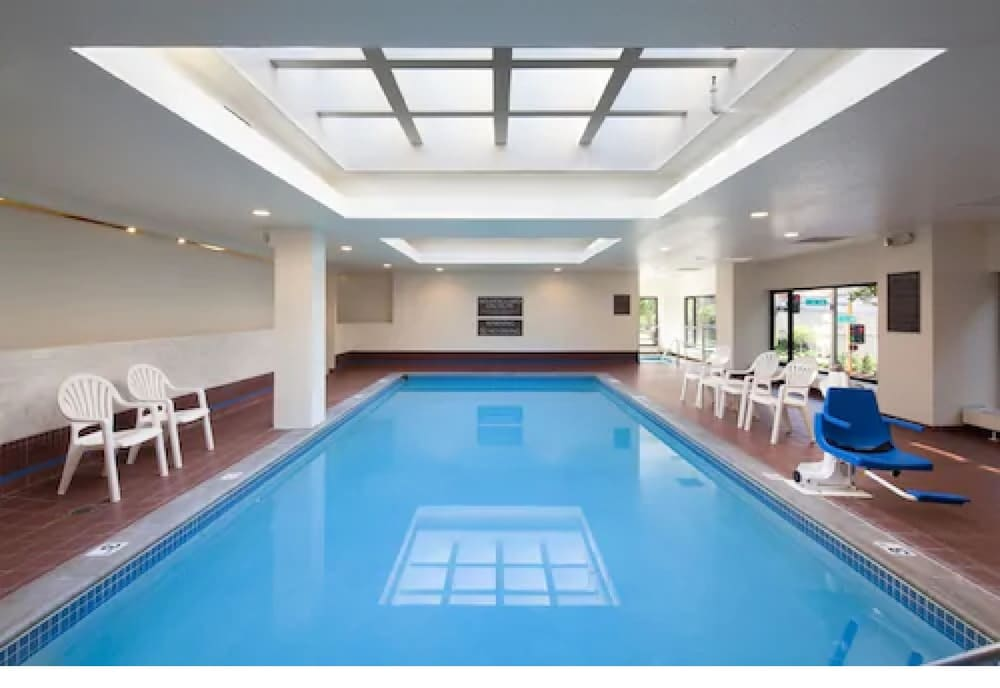 Indoor Pool, Kahler Inn and Suites - Mayo Clinic Area