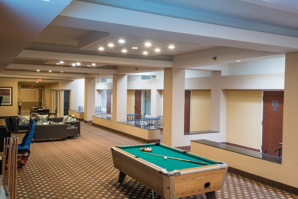 Billiards, Kahler Inn and Suites - Mayo Clinic Area