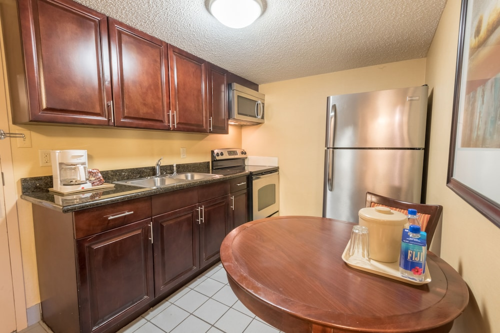 Private Kitchen, Kahler Inn and Suites - Mayo Clinic Area