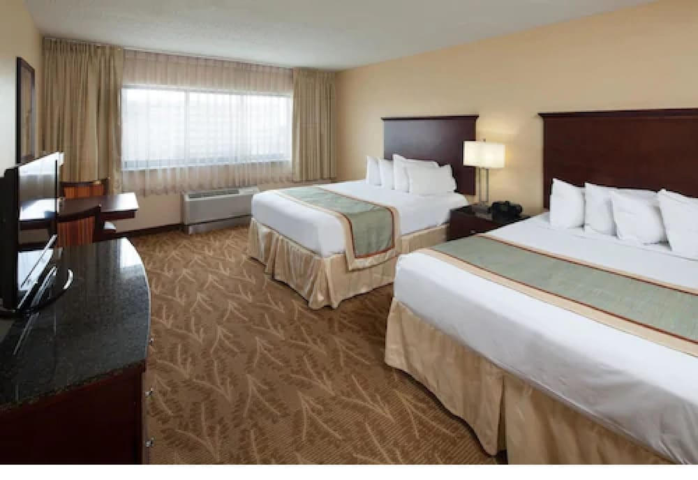 Room, Kahler Inn and Suites - Mayo Clinic Area