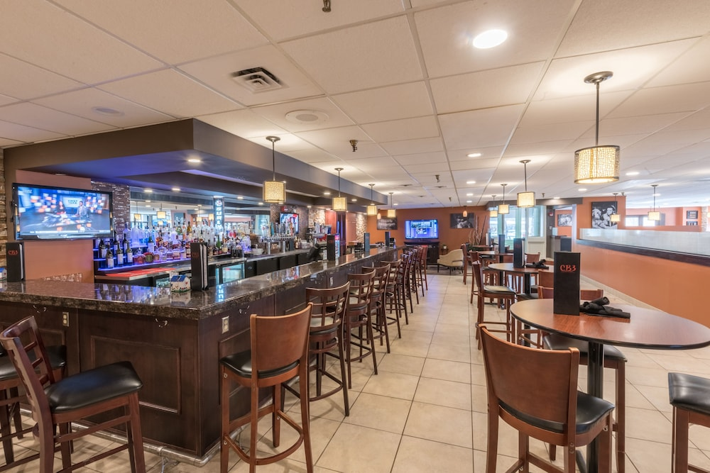 Sports Bar, Kahler Inn and Suites - Mayo Clinic Area