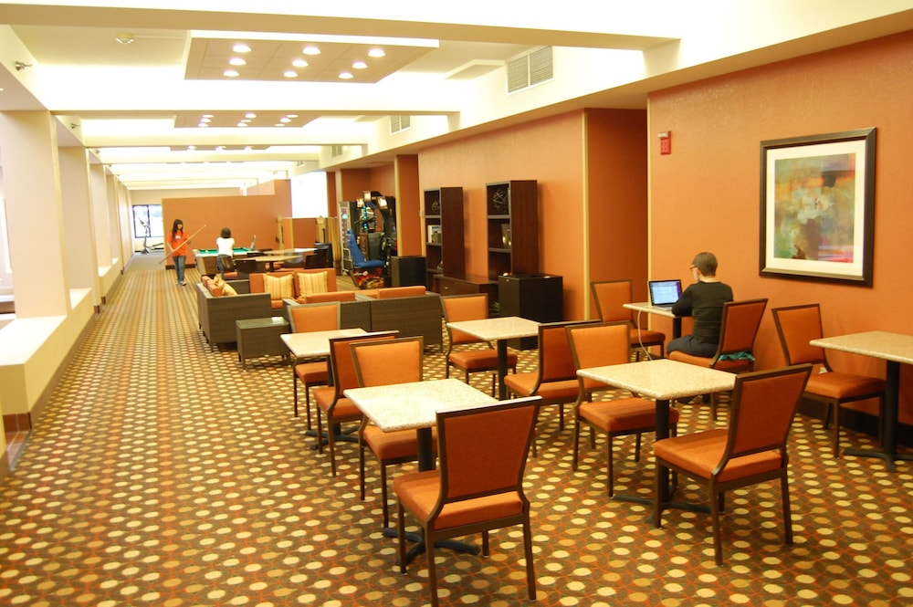 Game Room, Kahler Inn and Suites - Mayo Clinic Area