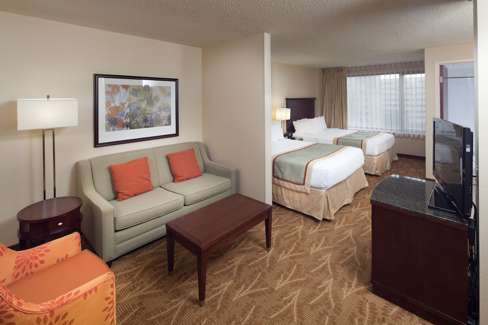 Living Area, Kahler Inn and Suites - Mayo Clinic Area