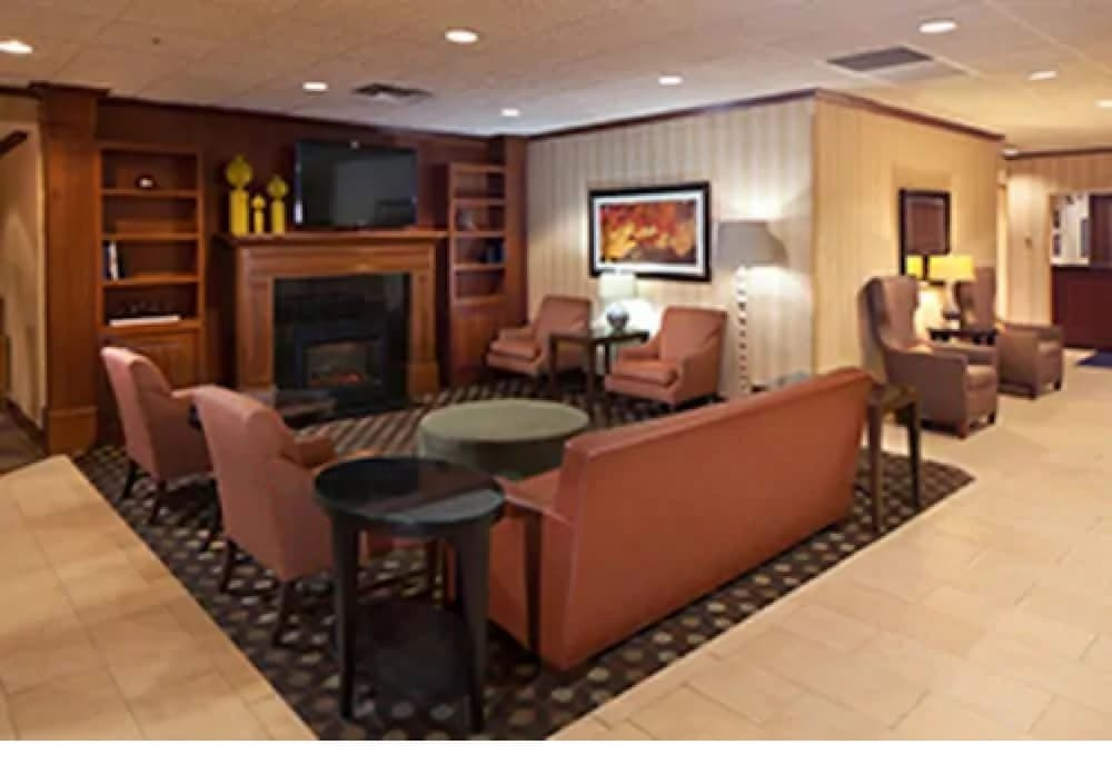 Lobby, Kahler Inn and Suites - Mayo Clinic Area