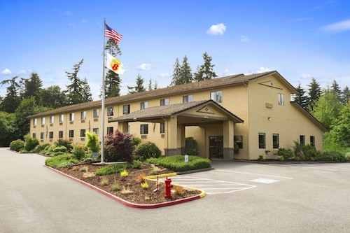 Super 8 by Wyndham Port Angeles at Olympic National Park