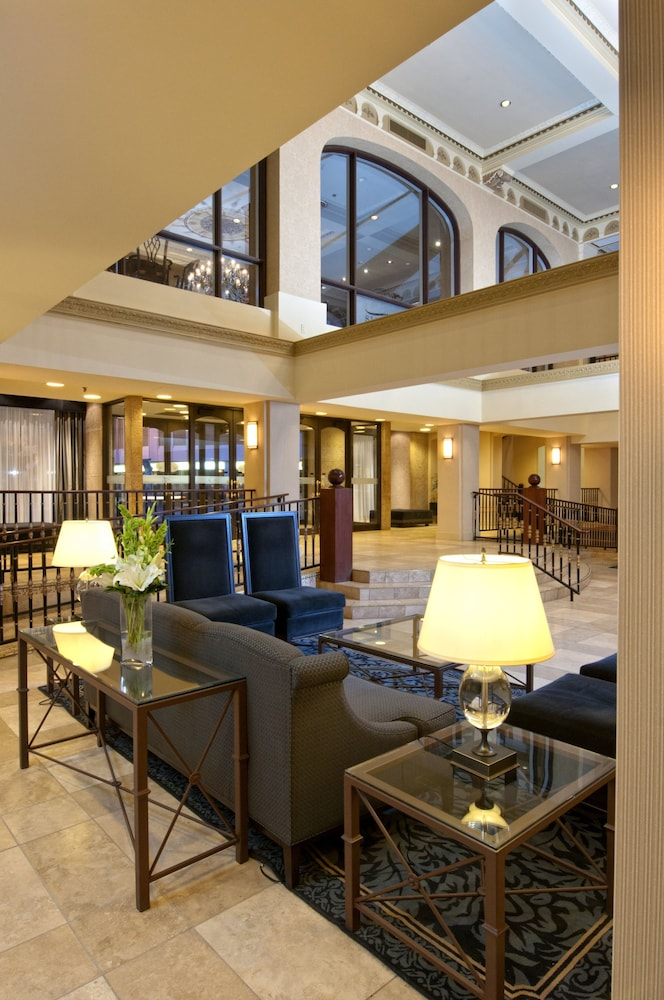 Lobby, Delta Hotels by Marriott Bessborough