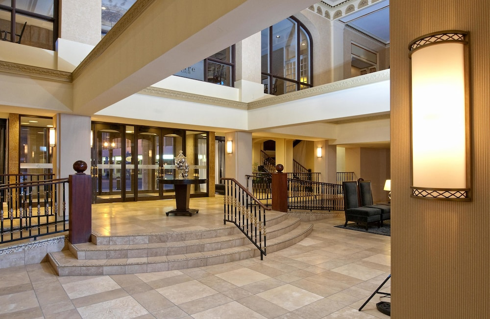 Interior Entrance, Delta Hotels by Marriott Bessborough