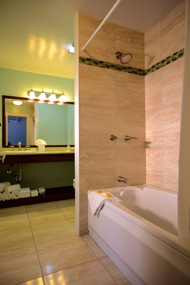 Bathroom, Green Turtle Club Resort & Marina