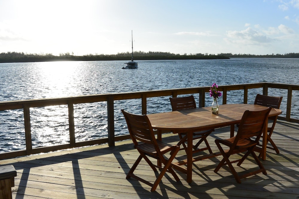Terrace/Patio, Green Turtle Club Resort & Marina