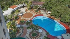 2 udendørs pools, gratis hytter
