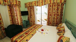 1 bedroom, blackout curtains, iron/ironing board, free WiFi