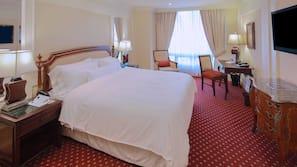 Egyptian cotton sheets, premium bedding, pillowtop beds, minibar