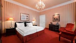 Minibar, safe på rommet, individuelt dekorert og skrivebord