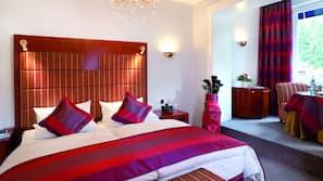 Kostenlose Minibar, Zimmersafe, individuell dekoriert