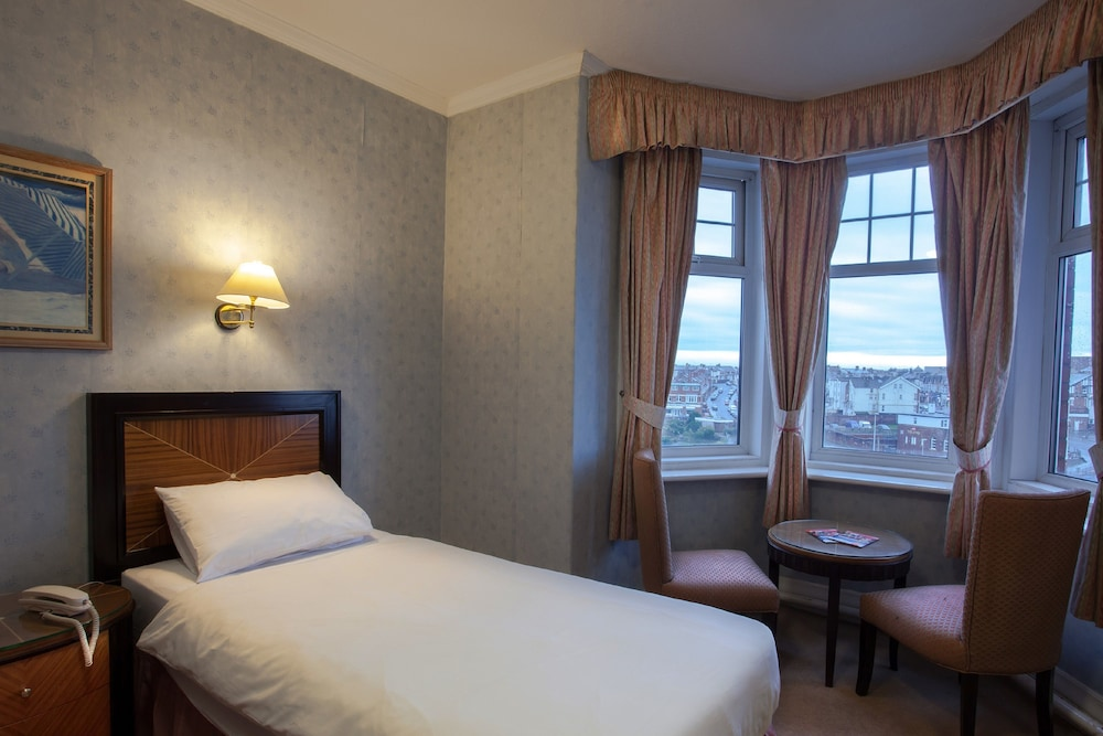 Rooms At The Savoy Hotel Blackpool