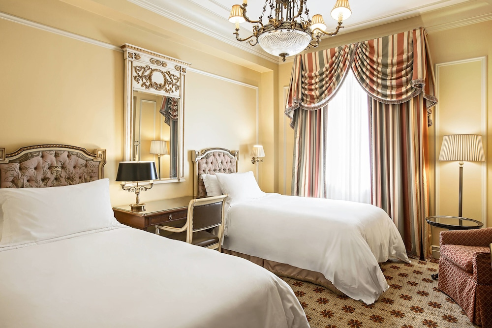 Room, Hotel Grande Bretagne, a Luxury Collection Hotel, Athens