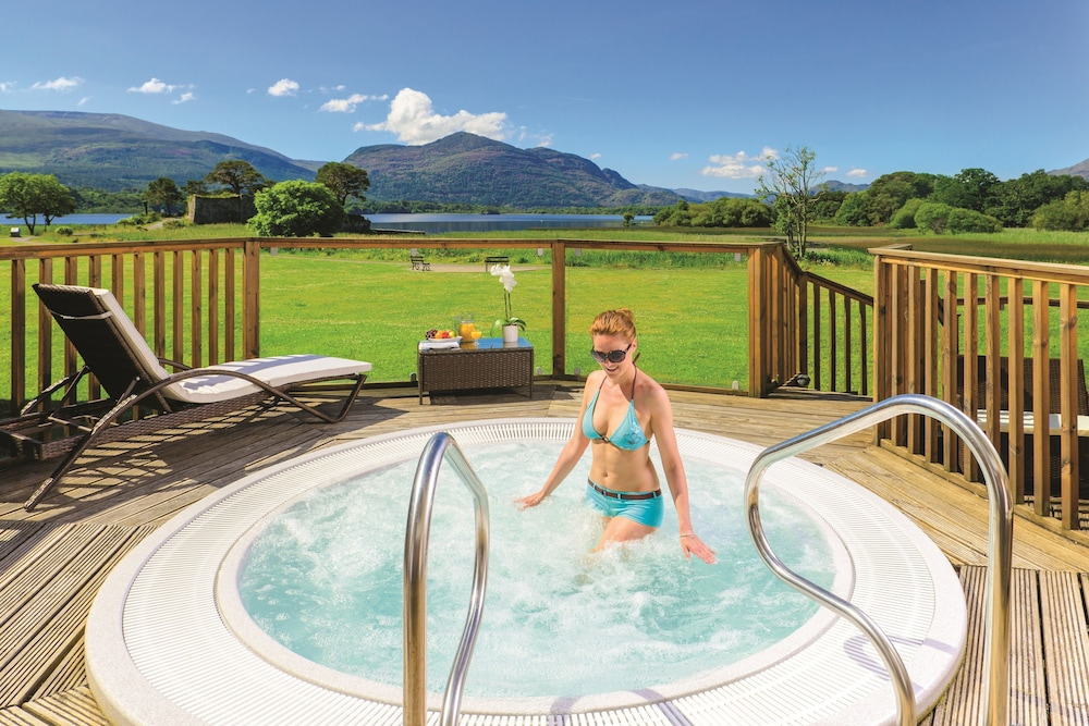 Outdoor Spa Tub, The Lake Hotel Killarney