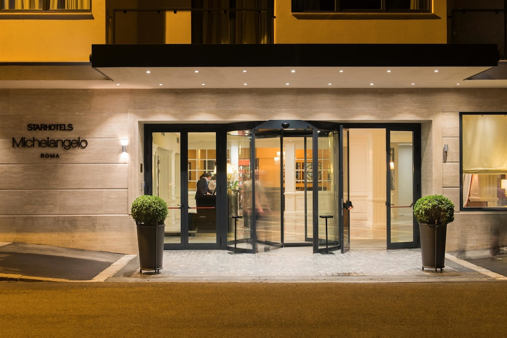 Front of Property, Starhotels Michelangelo