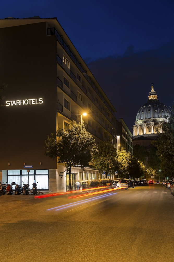 Front of Property - Evening/Night, Starhotels Michelangelo