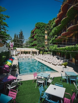 Los Angeles & Spa Hotel