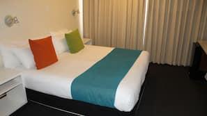 Minibar, iron/ironing board, free WiFi, linens