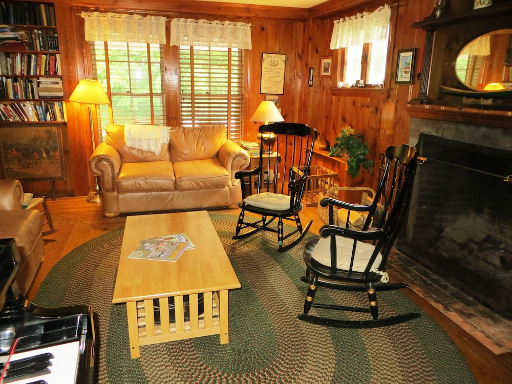 Library, Cranmore Mountain Lodge Bed & Breakfast