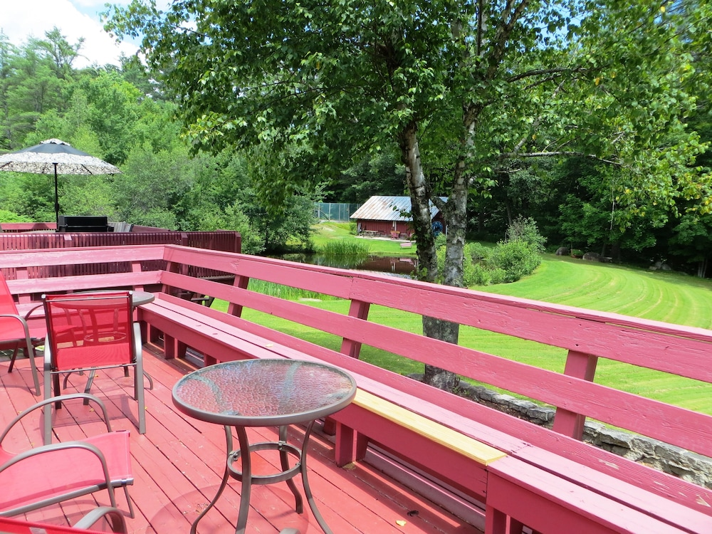 Sundeck, Cranmore Mountain Lodge Bed & Breakfast