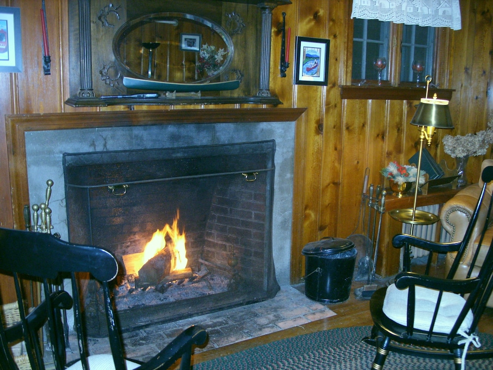 Fireplace, Cranmore Mountain Lodge Bed & Breakfast