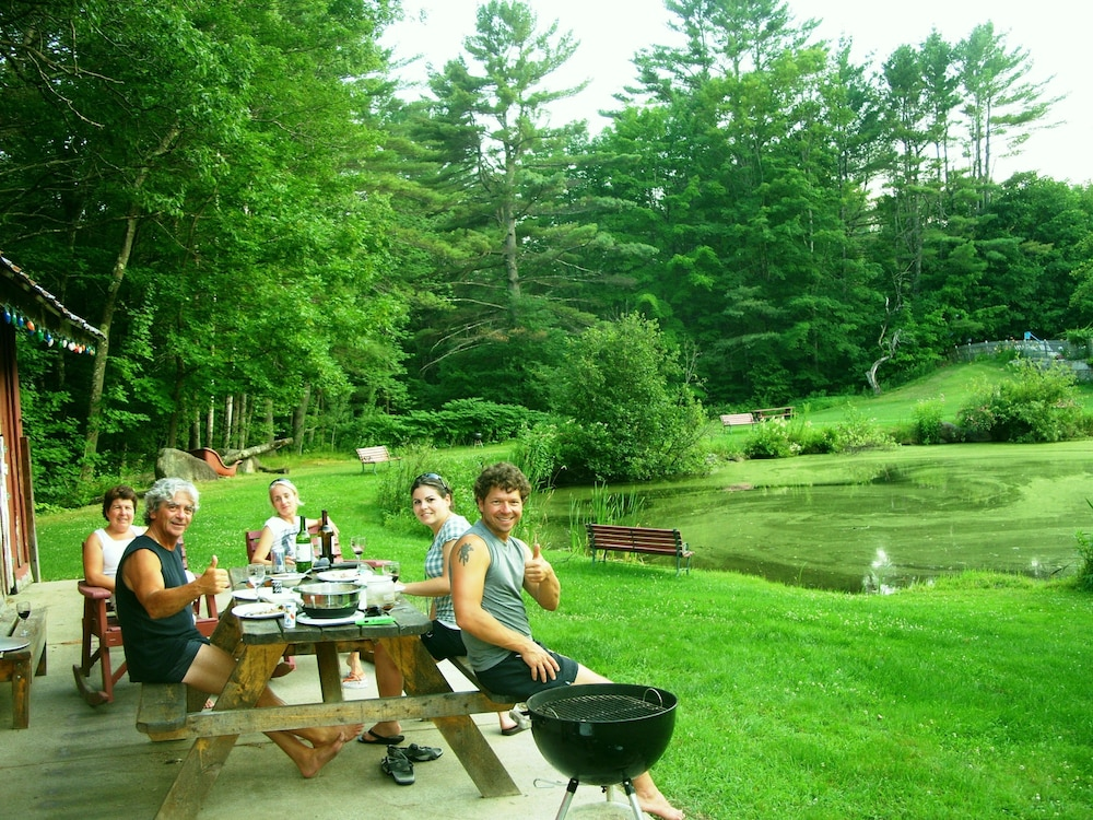 BBQ/Picnic Area, Cranmore Mountain Lodge Bed & Breakfast