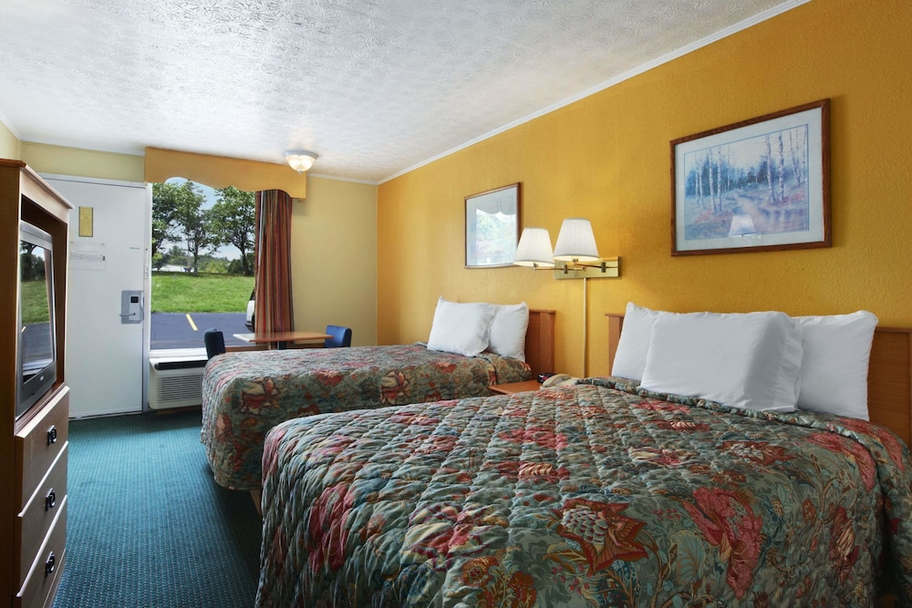 Days Inn By Wyndham Knoxville West In Knoxville Cheap