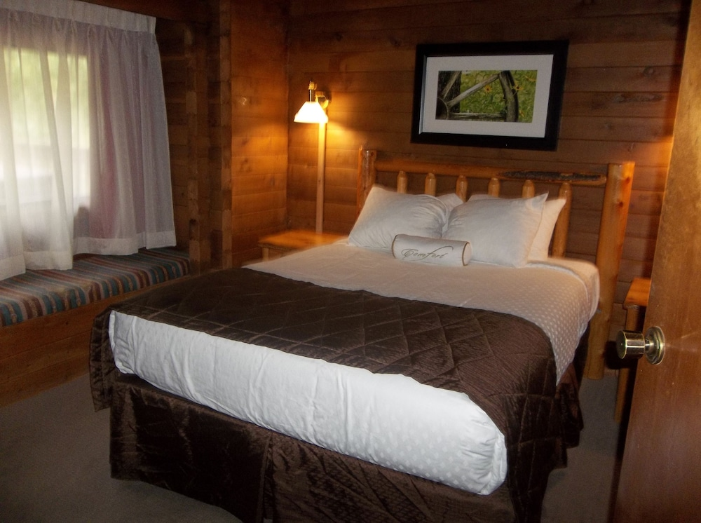 Room, Kohl's Ranch Lodge by Diamond Resorts