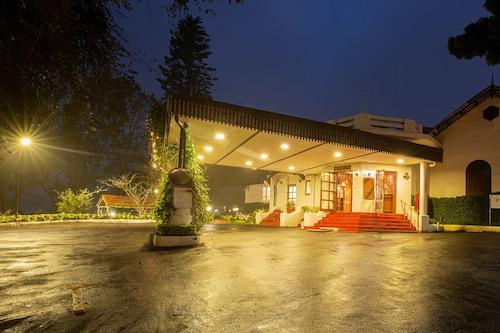 港威飯店 - 教堂路古努爾