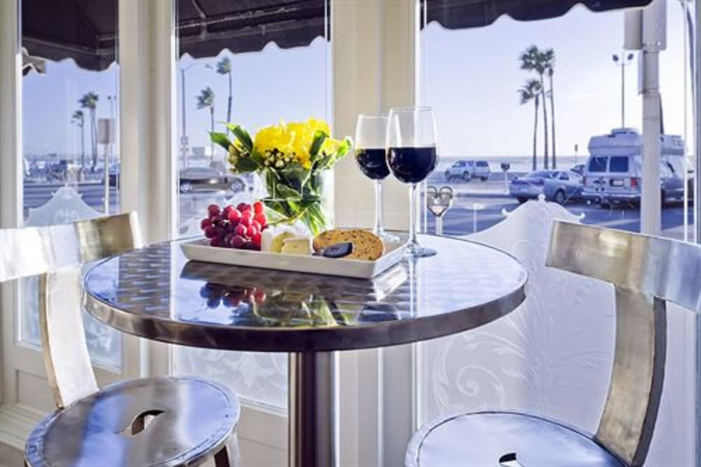 Newport Beach Hotel A Four Sisters Inn 3 0 Out Of 5